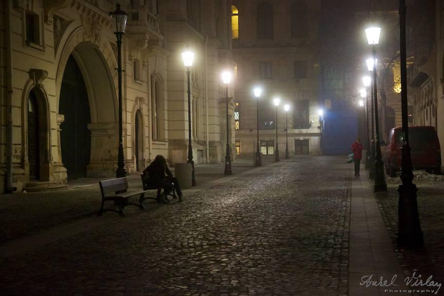 Fotografia nocturna de strada este o joaca pentru orice fotograf care are in mana un Canon EOS 5D Mark III.