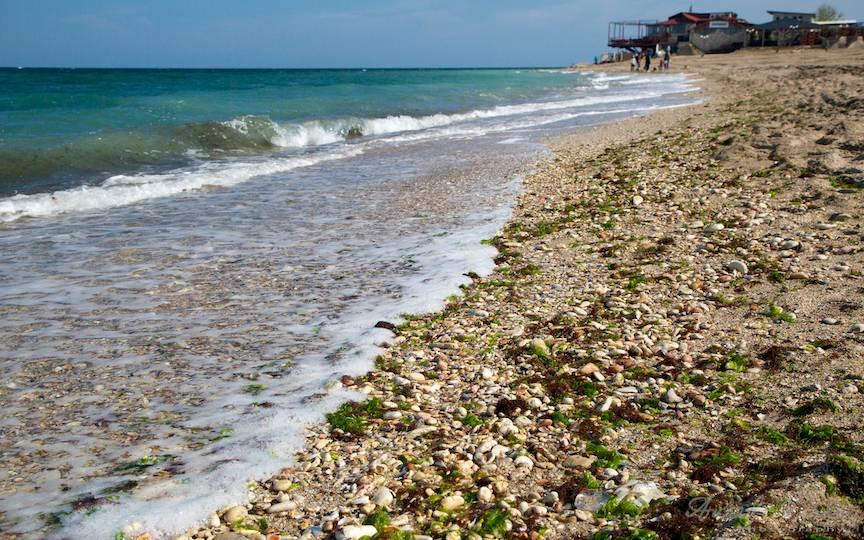 Marea Neagra saruta malul la capat de Romanie.