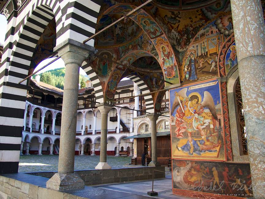 _Manastirea Rila Bulgaria Foto-Aurel-Virlan 13 fotografie cu mai multe planuri in adancime