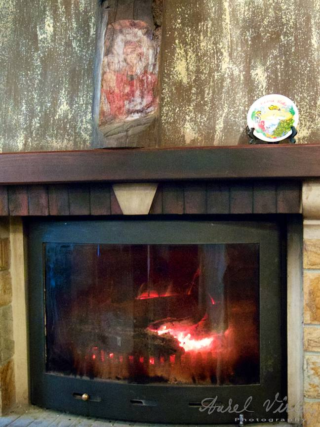 _Manastirea Rila Bulgaria Foto-Aurel-Virlan 39 camin foc lemne si icoane
