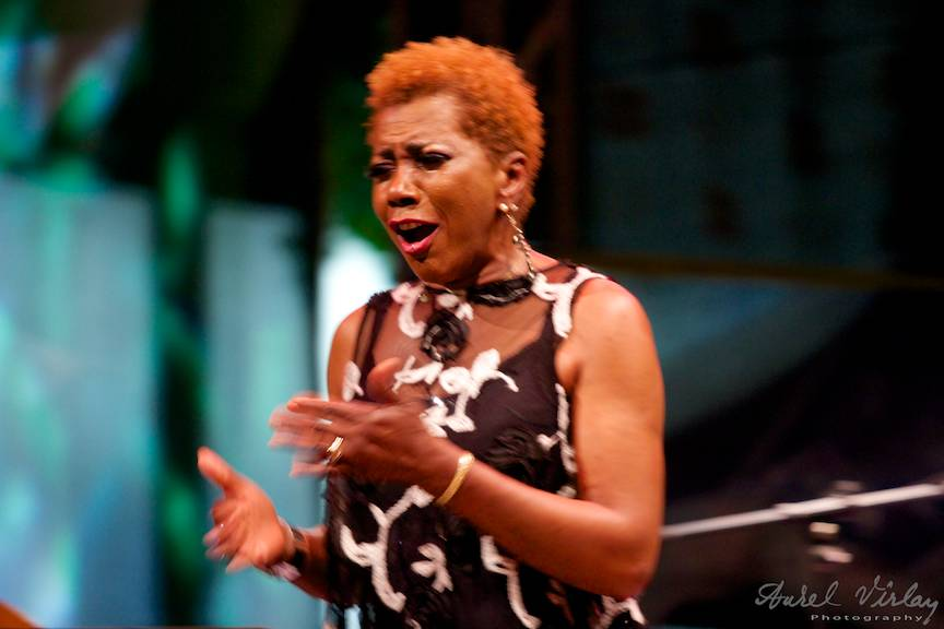 Fotografie din concertul jazz Carmen Lundy USA.