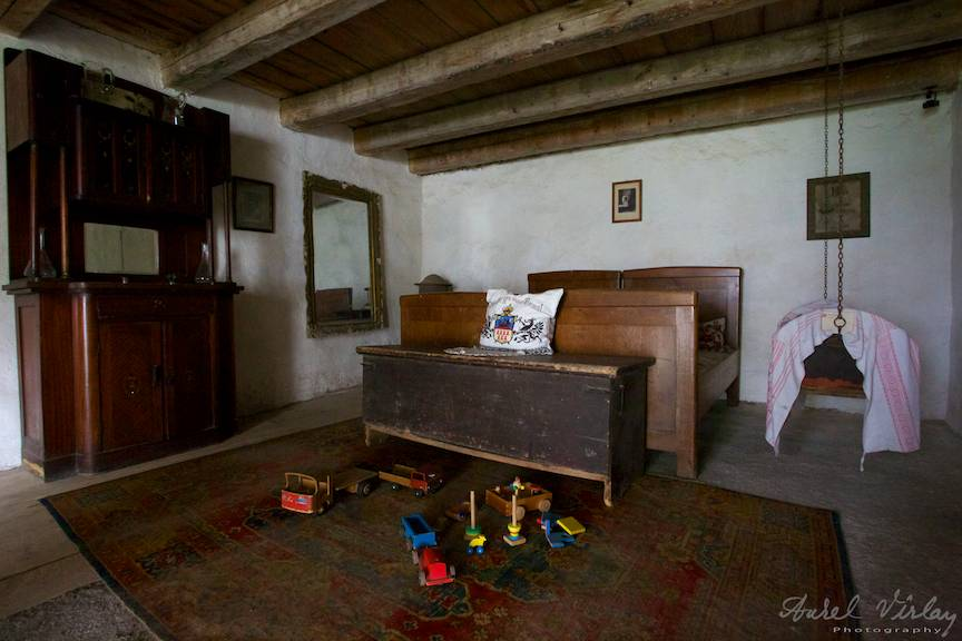 Fotografia unui dormitor medieval.