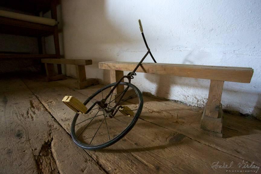 Monociclu vechi de copii.