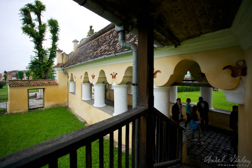 Fotografie din cerdacul de  intrare in Cetarea medievala Prejmer Foto Aurel Virlan -1