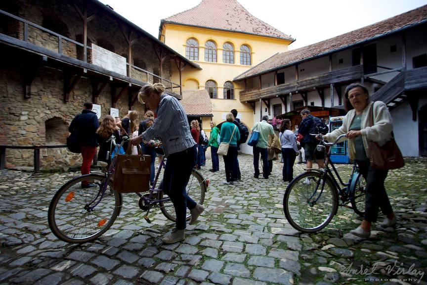 Cu bicicleta in vizita la Cetatea Prejmer!