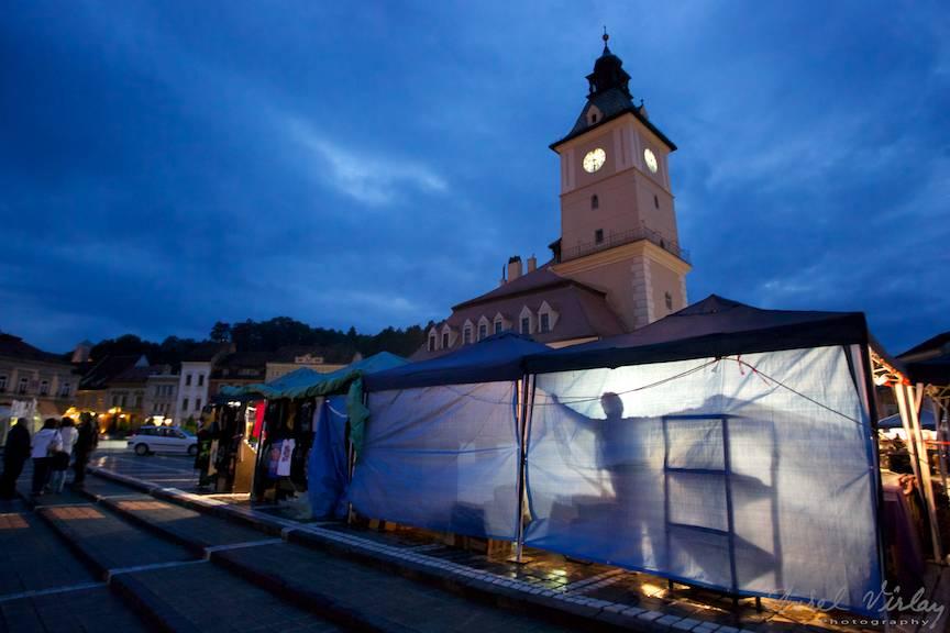 Piata Sfatului in prag de seara.