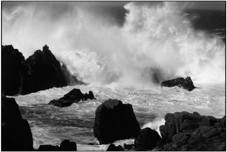 Irlanda Donegal county Tory Island 2000 Summer storm - foto Martine Franck.