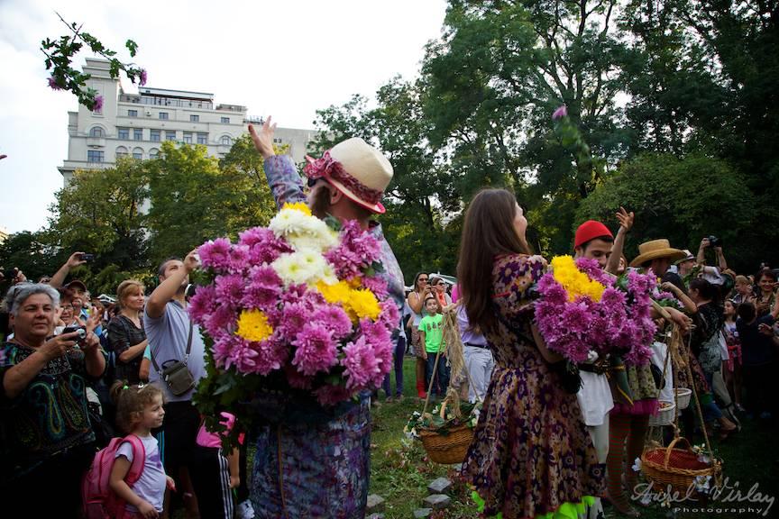 Festival Targul Bucurestilor 555 ani - Bataie cu flori! - Foto Aurel Virlan