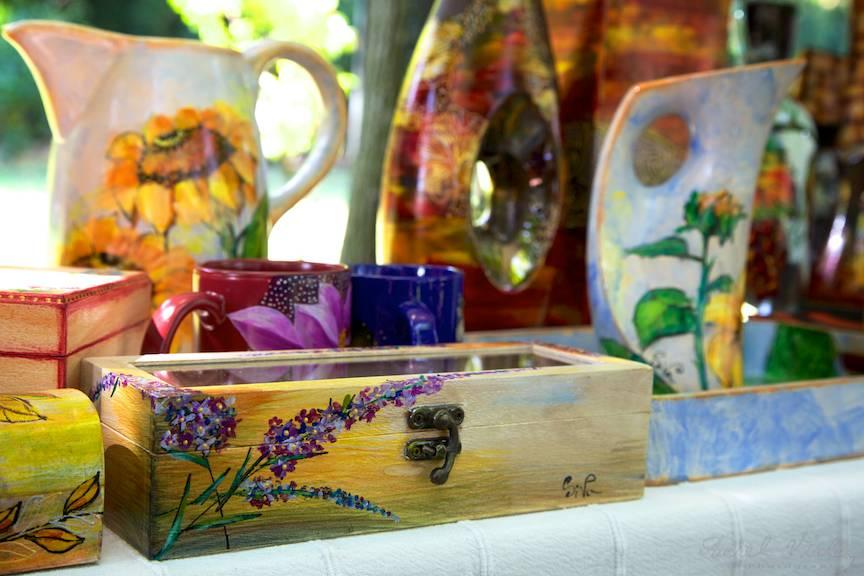 Cadouri perfecte - Casete de lemn si vase de sticla pictate manual.