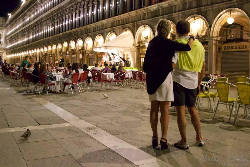 Doi indragostiti in Venetia tema foto iubirea - Aurel Virlan - 11 armonie de cuplu
