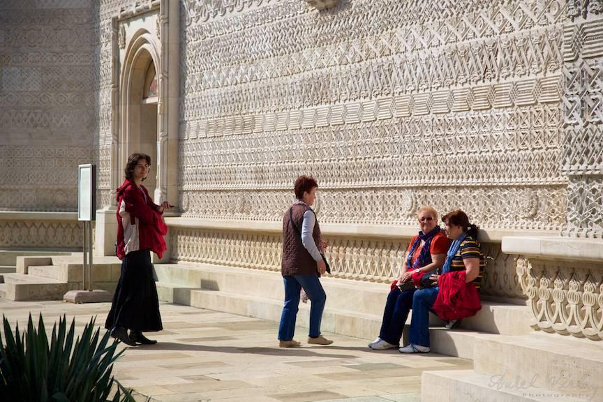 Instanteu foto lumina calda a soarelui de toamna - Manastirea Trei Ierarhi Iasi.