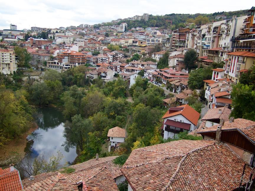 Excursie Velico-Tarnovo - Foto Aurel Virlan - 01 vedere generala oras
