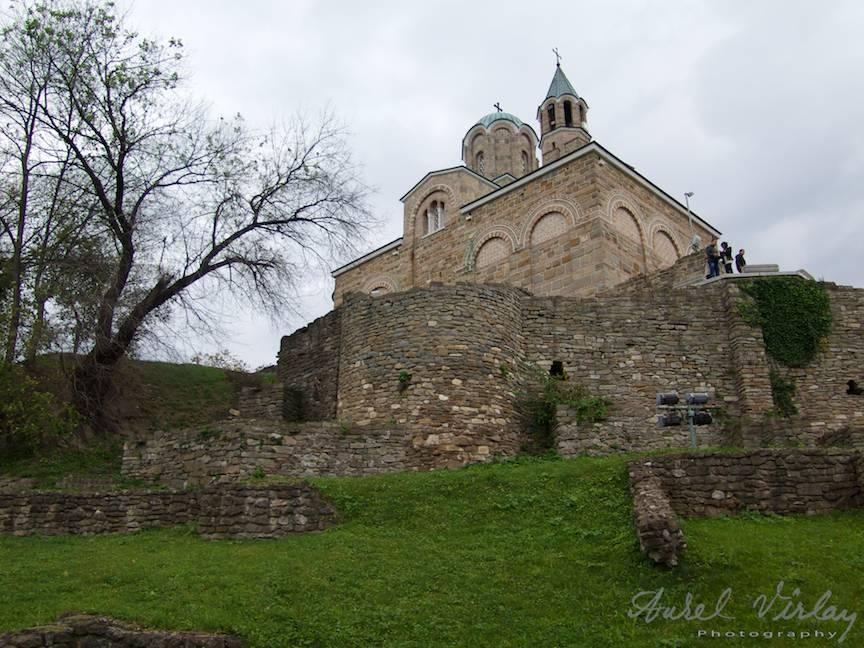 Excursie Velico-Tarnovo - Foto Aurel Virlan - 09 Exterior biserica cetatii medievale