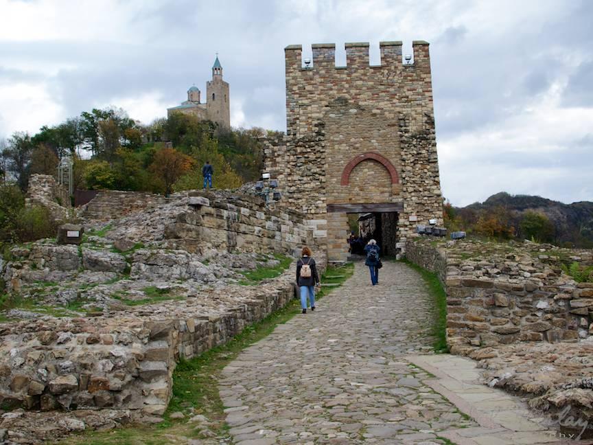 Excursie Velico-Tarnovo - Foto Aurel Virlan - 10 poarta intrare in cetate