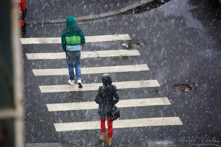 Fotografii prima ninsoare Bucuresti fulgi strada - FotoAurelVirlan e 25