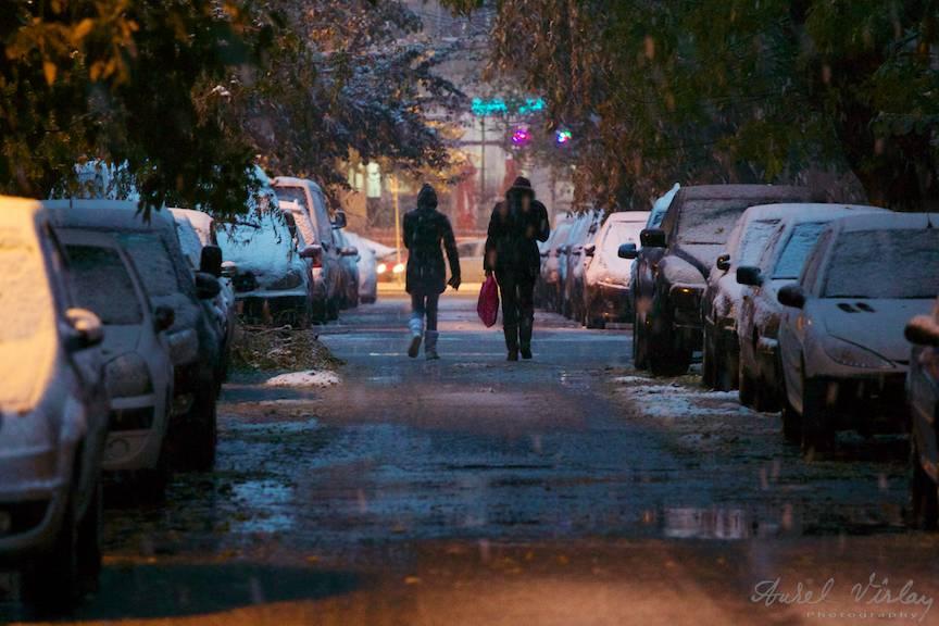 Fotografii prima ninsoare Bucuresti fulgi strada - FotoAurelVirlan e 40