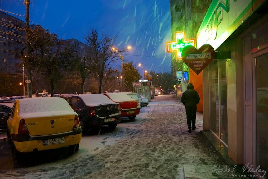 Fotografii prima ninsoare Bucuresti fulgi strada - FotoAurelVirlan e 41