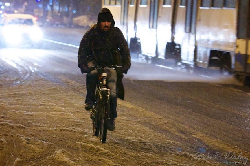 Fotografii prima ninsoare Bucuresti fulgi strada - FotoAurelVirlan e 56