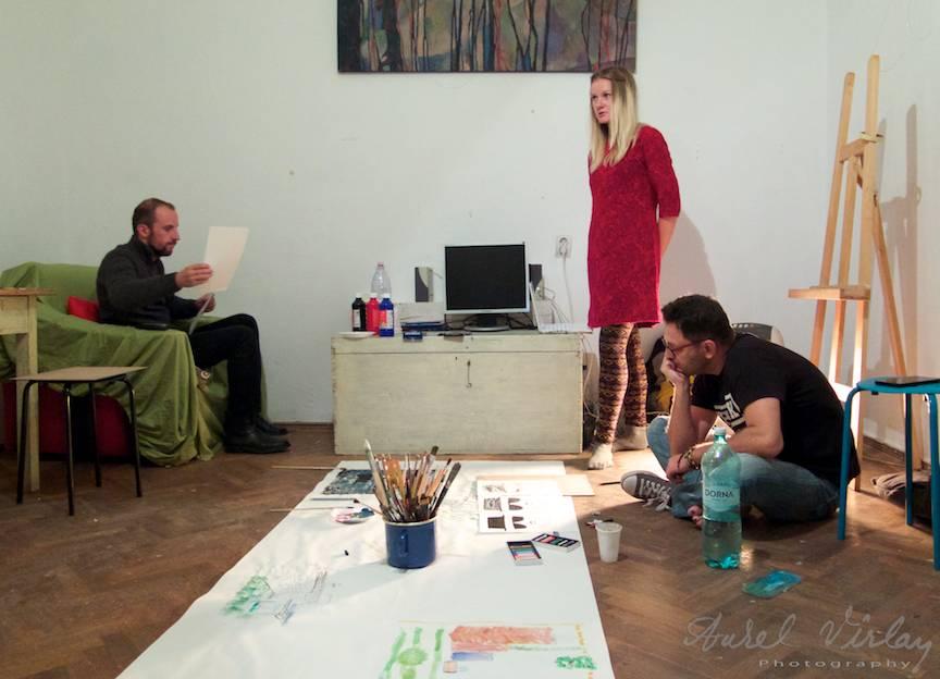 Terapie Pictura Workshop CasaArte - Foto Aurel Virlan -Cu ochi inca la prima tema, ne pregatim de un nou exercitiu.