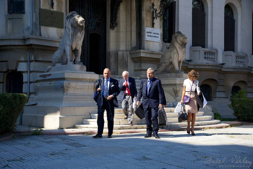 Coborand treptele Muzeului George Enescu in cea mai buna lumina!