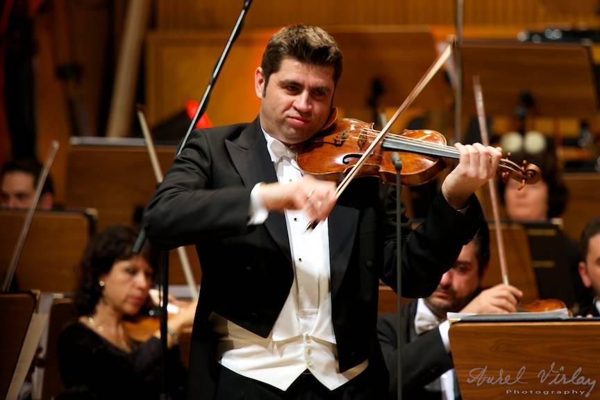 Remus Azoitei si vioara sa.  Sala Palatului Bucuresti 2014 - Foto Aurel Virlan -EmailS55