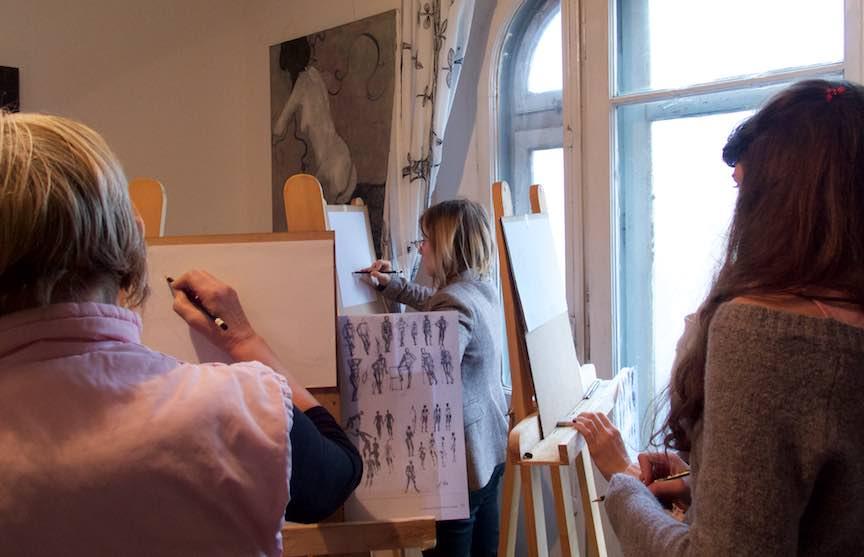 Curs Desen Crochiuri Model CasaArte FotoAV Lectie de desen dupa model.