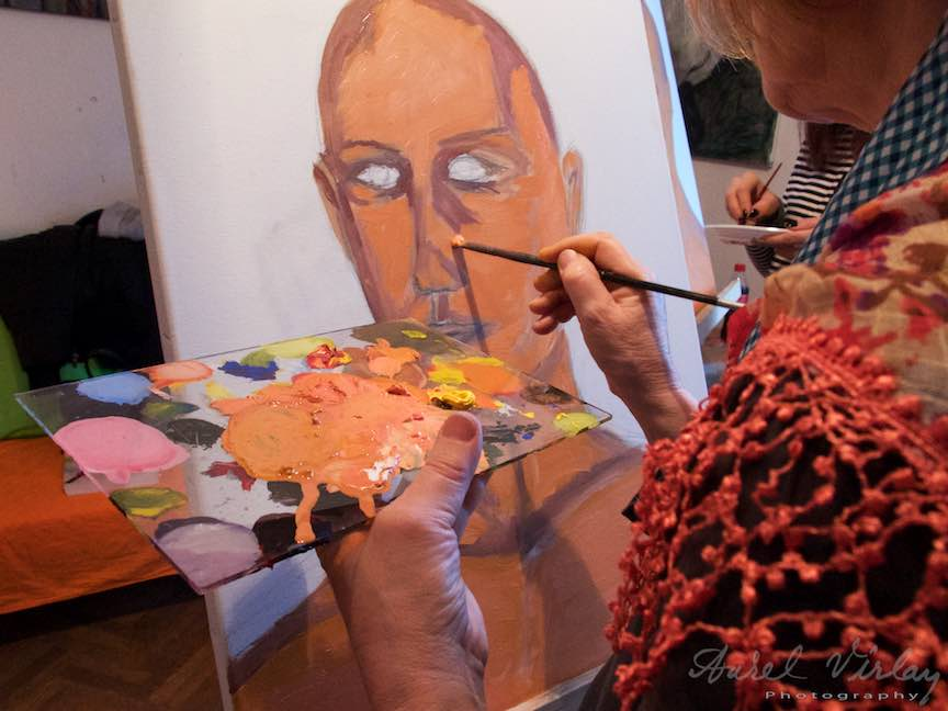 Curs Pictura Portret Casa Arte 3 - Fotograful Aurel Virlan - Asezam accente de lumina si umbra.