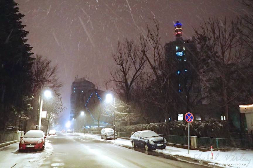 Fotografii ninsoare iarna Bucuresti - fotojurnalism Aurel Virlan - Emails 46a