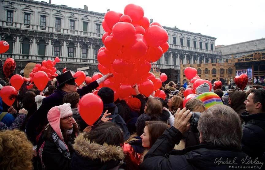 Valentines Day Venetia WikiLove ziua indragostitilor - FotoAurelVirlan Se impart inimile rosii Wiki-Love!