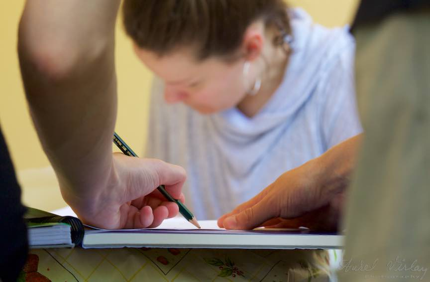 Explicatii practice cu creionul pe hartie.