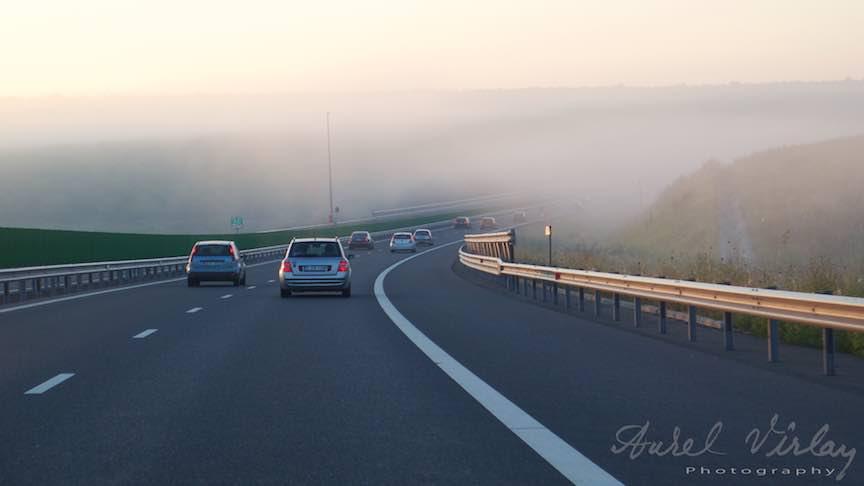 *Dimineata devreme ceata-i lipita de drum* - fotografie pe Autostrada Soarelui!