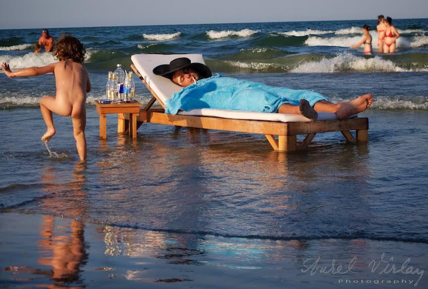 Mamaia-pat-sezlong-valuri-Marea-Neagra_Foto_Aurel_Virlan6
