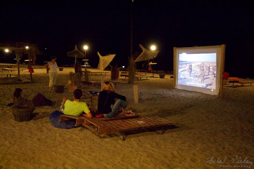 Plaja-Carte-Cinema-aer-liber-plaja-Noapte-Vama_Veche_Foto-Aurel-Virlan