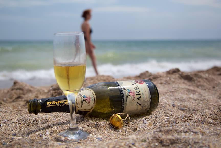 Iluzii optice dupa o sticla de Champagne la malul Marii Negre.