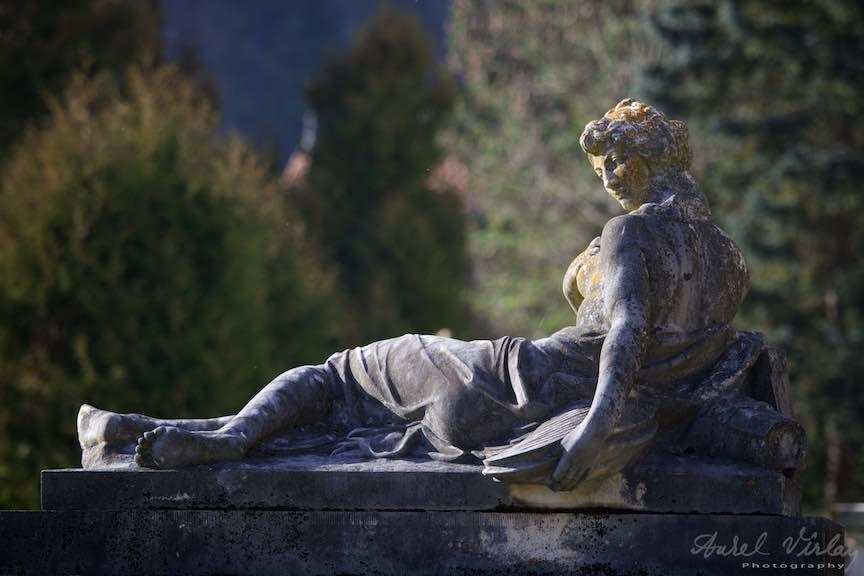 05-statuie-lumina-laterala-Castel-Peles-Sinaia_Fotografie_Aurel_Virlan