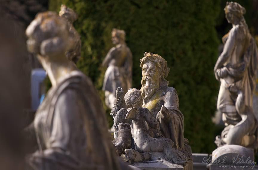 07-statuile-curtii-Castelului-Peles-Sinaia_Fotografie_Aurel_Virlan