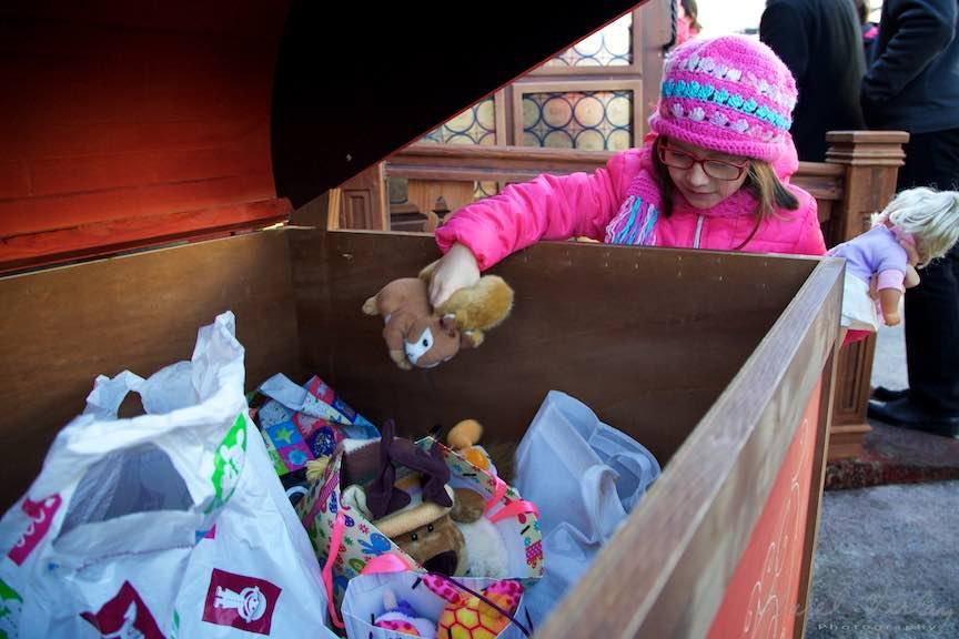 Bucharest-Christmas-Market-Mos-Craciun-Targ-Universitate_FotoAurelVirlan-Emails28