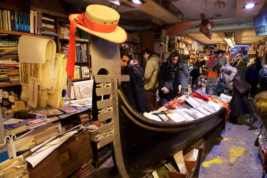 Venetia-Italia-Strazi-cladiri-vechi-canale-gondolieri-FotografAurelVirlan-Emails101