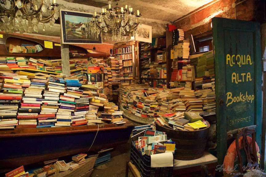 Venetia-Italia-Strazi-cladiri-vechi-canale-gondolieri-FotografAurelVirlan-Emails105