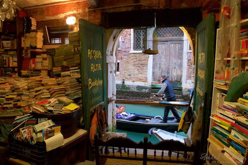 Venetia-Italia-Strazi-cladiri-vechi-canale-gondolieri-FotografAurelVirlan-Emails107