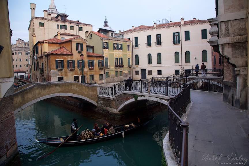 Venetia-Italia-Strazi-cladiri-vechi-canale-gondolieri-FotografAurelVirlan-Emails110