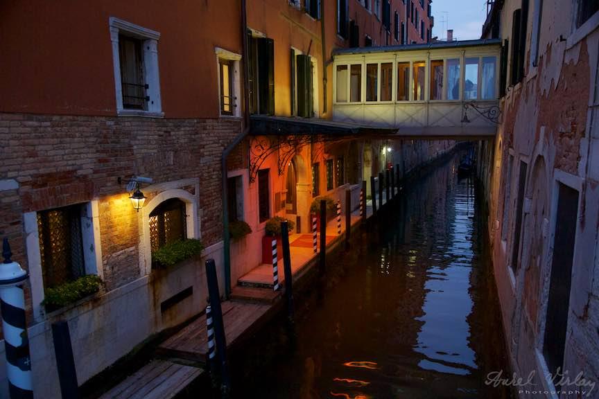 Venetia-Italia-Strazi-cladiri-vechi-canale-gondolieri-FotografAurelVirlan-Emails112