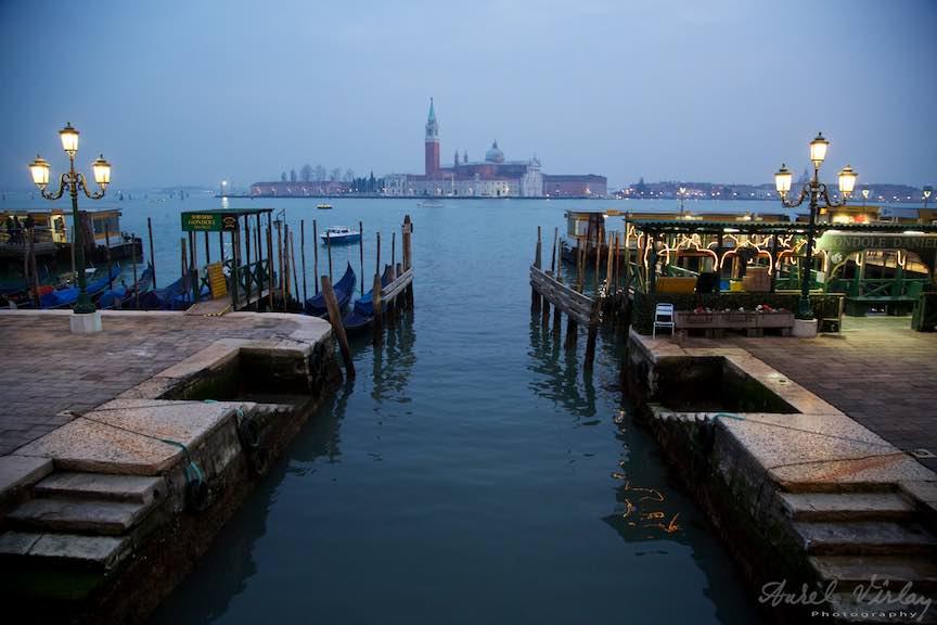 Venetia-Italia-Strazi-cladiri-vechi-canale-gondolieri-FotografAurelVirlan-Emails113