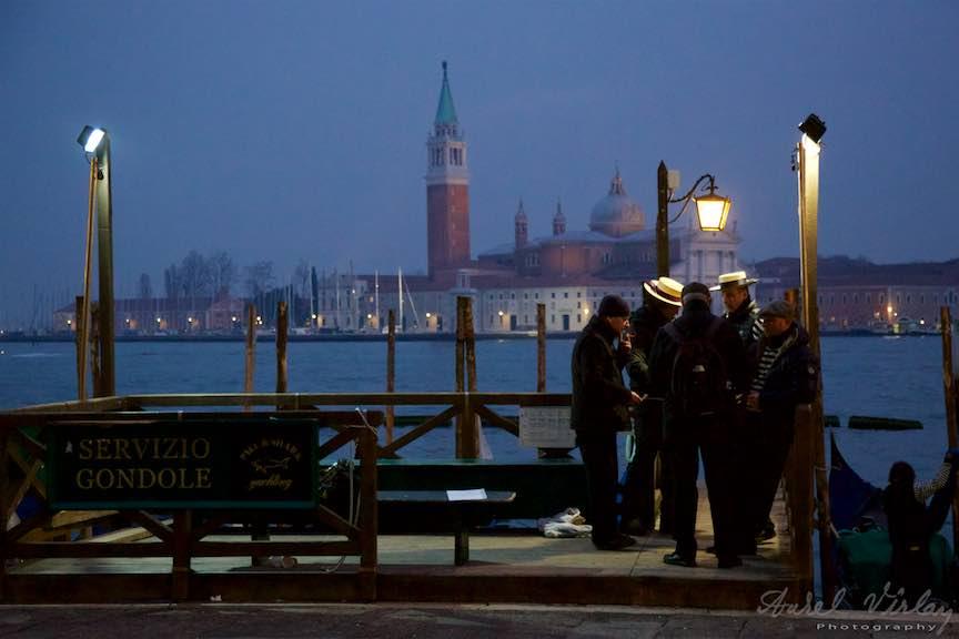 Venetia-Italia-Strazi-cladiri-vechi-canale-gondolieri-FotografAurelVirlan-Emails115