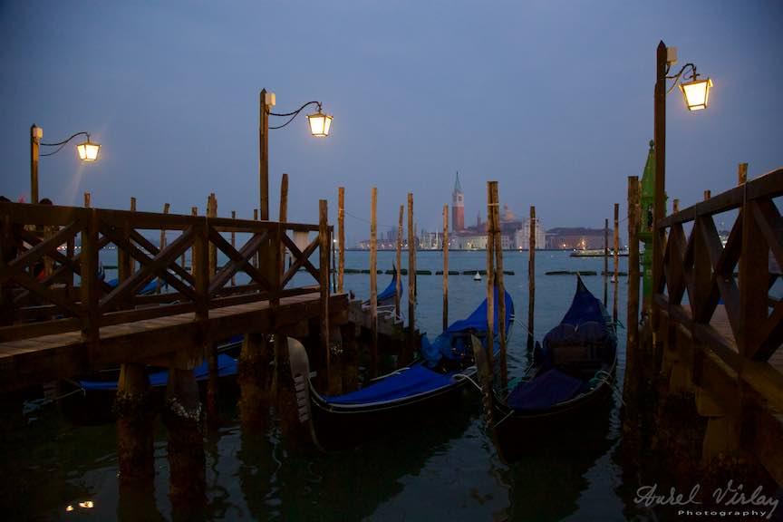 Venetia-Italia-Strazi-cladiri-vechi-canale-gondolieri-FotografAurelVirlan-Emails117