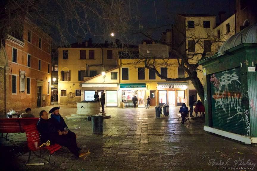 Venetia-Italia-Strazi-cladiri-vechi-canale-gondolieri-FotografAurelVirlan-Emails120