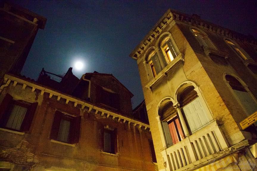 Venetia-Italia-Strazi-cladiri-vechi-canale-gondolieri-FotografAurelVirlan-Emails33