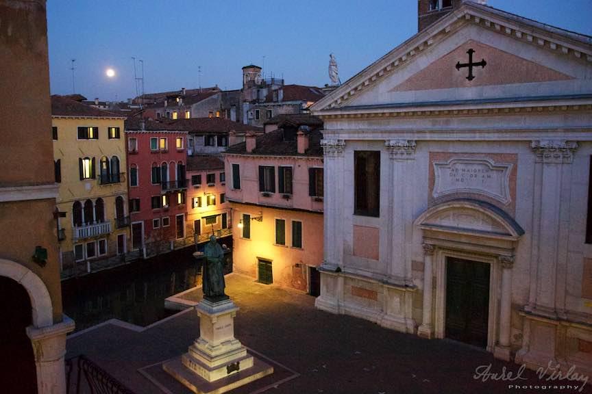 Venetia-Italia-Strazi-cladiri-vechi-canale-gondolieri-FotografAurelVirlan-Emails39