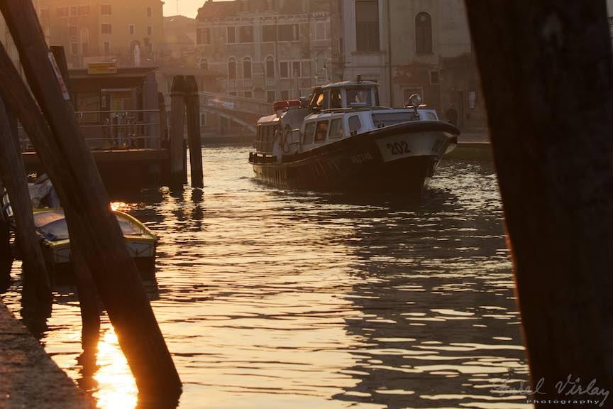 Venetia-Italia-Strazi-cladiri-vechi-canale-gondolieri-FotografAurelVirlan-Emails50