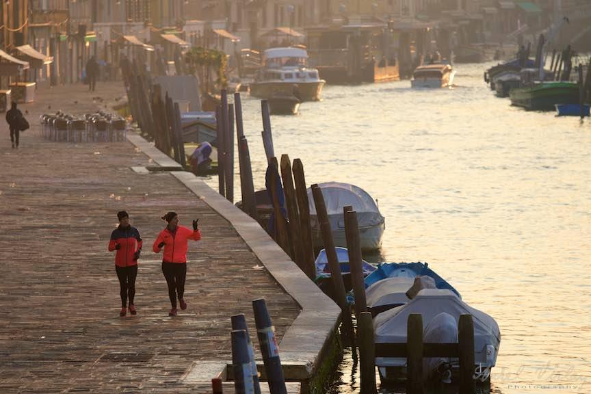Venetia-Italia-Strazi-cladiri-vechi-canale-gondolieri-FotografAurelVirlan-Emails52